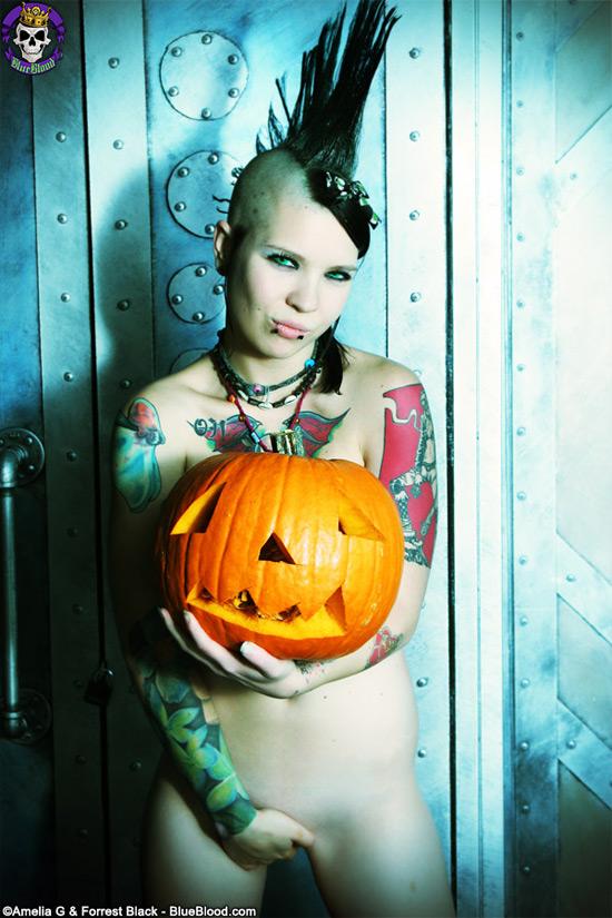 tara toxic pumpkin gothicsluts
